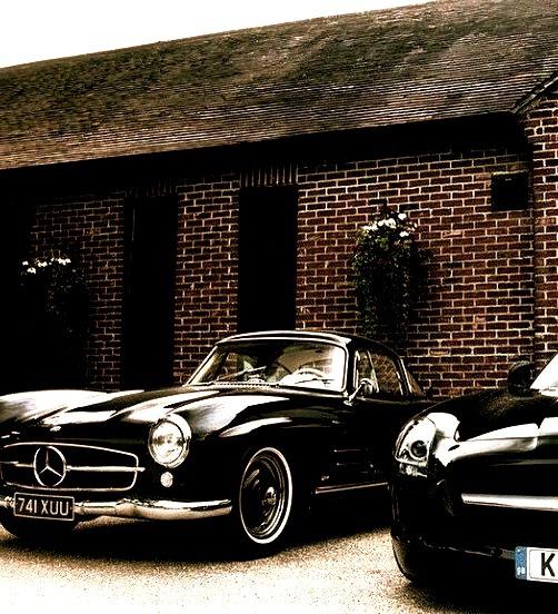 Mercedes-Benz 190SL & SLS AMG (Instagram @yamikanijamjam)
